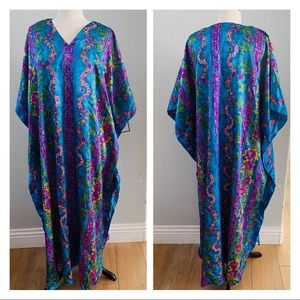 NWT WINLAR blue long floral silky caftan dress